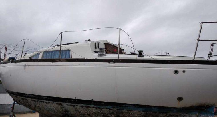 barca a vela da risistemare