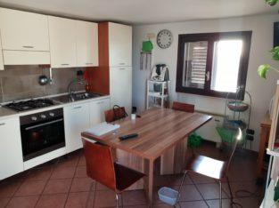 Vendesi o affittasi (450,00 + spese) mansarda Zona Salesiani Lecce