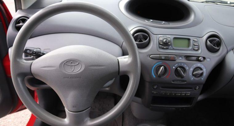 Toyota Yaris 2001