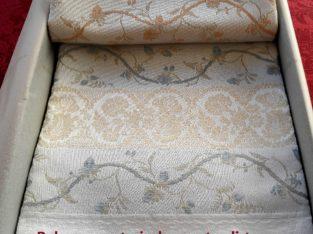 biancheria per la casa tessuta a telaio